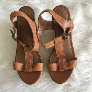 Hush Puppies Renown T-Strap Leather Wedge Sandals